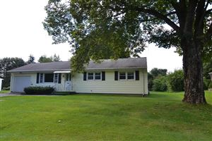 Photo of 29 Sunnyside Dr, Dalton, MA 01226 (MLS # 220515)