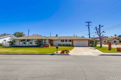 Photo of 600 Powell Place, Newport Beach, CA 92663 (MLS # OC21031559)