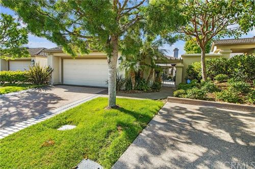 Photo of 37 Ocean Vista, Newport Beach, CA 92660 (MLS # OC21037649)