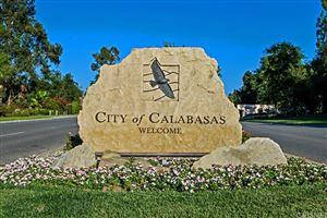 Photo of 24704 CALLE ALTAMIRA, Calabasas, CA 91302 (MLS # SR17174013)