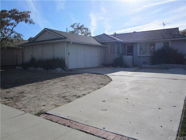 Photo for 6617 DANNYBOYAR Avenue, West Hills, CA 91307 (MLS # SR17222054)