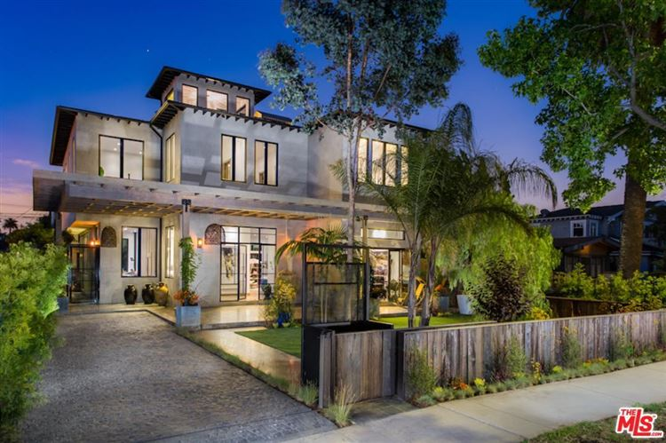 Photo for 2216 SUPERIOR Avenue, Venice, CA 90291 (MLS # 17237124)