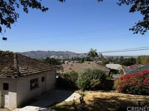 Photo of 909 BRIARWOOD Lane, Glendale, CA 91206 (MLS # SR17254158)