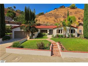 Photo of 1836 GREENBRIAR Road, Glendale, CA 91207 (MLS # SR17214250)
