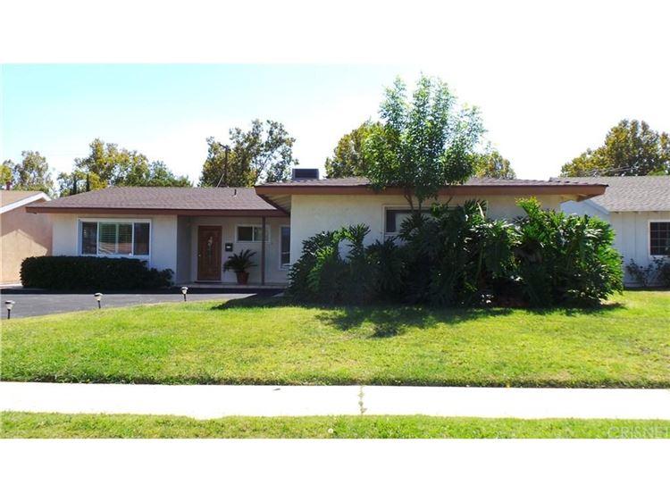 Photo for 23732 WELBY Way, West Hills, CA 91307 (MLS # SR17223305)