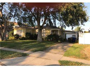 Photo of 8112 RHODES Avenue, North Hollywood, CA 91605 (MLS # SR17181371)