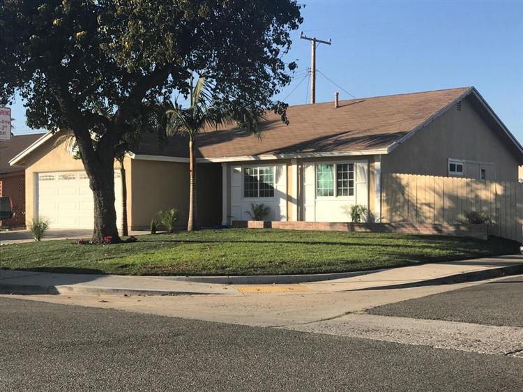 Photo for 861 AVALON Way, Oxnard, CA 93033 (MLS # 217013398)