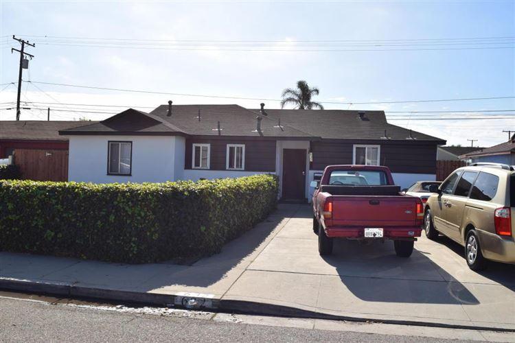 Photo for 632 East POPLAR Street, Oxnard, CA 93033 (MLS # 217013415)