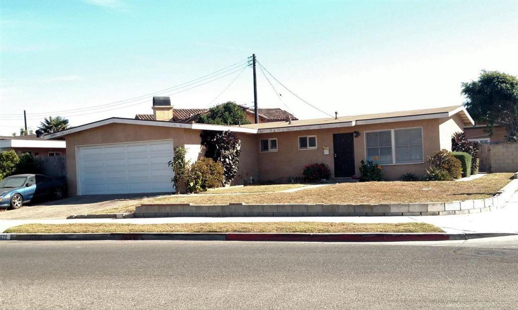 Photo for 2620 CAROB Street, Oxnard, CA 93035 (MLS # 217013419)