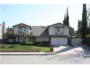 Photo of 12113 BEAUFAIT Avenue, PORTER RANCH, CA 91326 (MLS # SR17143501)