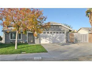 Photo of 2553 West LUMBER Street, Lancaster, CA 93536 (MLS # SR17262590)