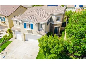 Photo of 17449 HONEY MAPLE Street, Canyon Country, CA 91387 (MLS # SR17218607)
