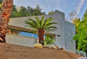 Photo of 2613 East CHEVY CHASE Drive, Glendale, CA 91206 (MLS # 317005645)