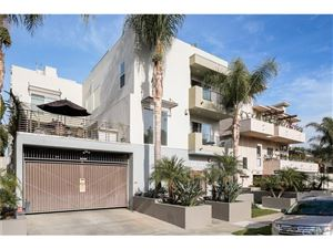 Photo of 11851 LAURELWOOD Drive #113, Studio City, CA 91604 (MLS # SR17257650)