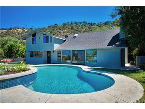 Photo of 10911 WRIGHTWOOD Lane, Studio City, CA 91604 (MLS # SR17148663)