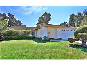 Photo of 5922 SUNNY VISTA Avenue, Oak Park, CA 91377 (MLS # SR17209685)