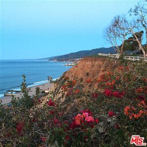 Photo of 15515 VIA DE LAS OLAS, Pacific Palisades, CA 90272 (MLS # 17268788)