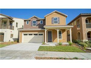 Photo of 27316 ELLERY Place, Saugus, CA 91350 (MLS # SR17217835)