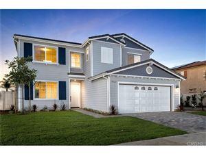 Photo of 18123 TOPHAM Street, Tarzana, CA 91335 (MLS # SR17169843)