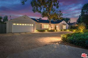 Photo of 5905 HILLVIEW PARK Avenue, Valley Glen, CA 91401 (MLS # 17262858)
