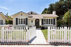 Photo of 19 OAK KNOLL GARDENS Drive, Pasadena, CA 91101 (MLS # 817000865)