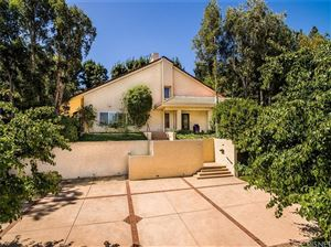 Photo of 23736 PARK ANTIGUA, Calabasas, CA 91302 (MLS # SR17135878)