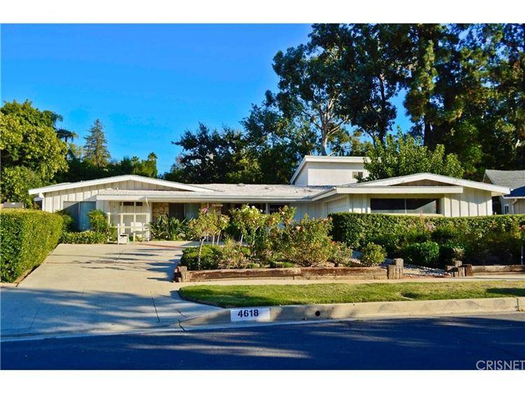 Photo for 4618 DEGOVIA Avenue, Woodland Hills, CA 91364 (MLS # SR17230883)