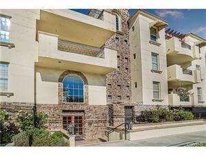 Photo of 12407 MOORPARK Street #203, Studio City, CA 91604 (MLS # SR17251909)