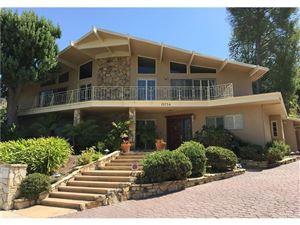 Photo of 15754 REGAL WOODS Place, Sherman Oaks, CA 91403 (MLS # SR17190927)