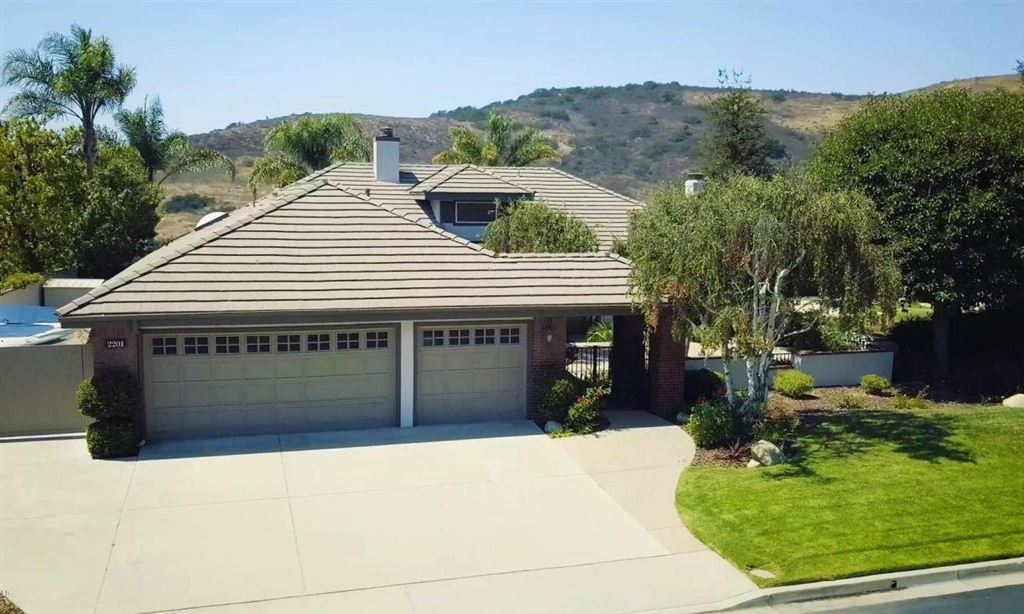 Photo for 2201 VALLEYFIELD Avenue, Thousand Oaks, CA 91360 (MLS # 217011936)