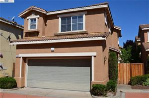 Photo of 1059 La Sierra Terrace, UNION CITY, CA 94587 (MLS # 40794132)