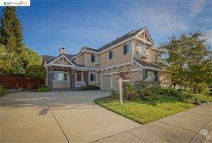 Photo of 352 BLUE OAK LN, CLAYTON, CA 94517 (MLS # 40802261)