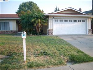 Photo of 4327 Oakdale Pl, PITTSBURG, CA 94565 (MLS # 40801407)