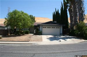 Photo of 2267 Jacqueline Dr, PITTSBURG, CA 94565 (MLS # 40793496)