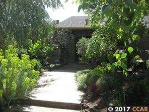 Photo of 3 Stanton Ct, ORINDA, CA 94563 (MLS # 40787606)