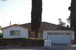 Photo of 3693 Crestview Dr, PITTSBURG, CA 94565 (MLS # 40802698)