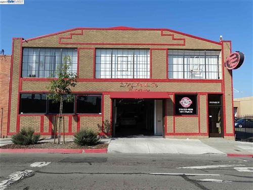 Photo of 1913 Park St, ALAMEDA, CA 94501 (MLS # 40802874)