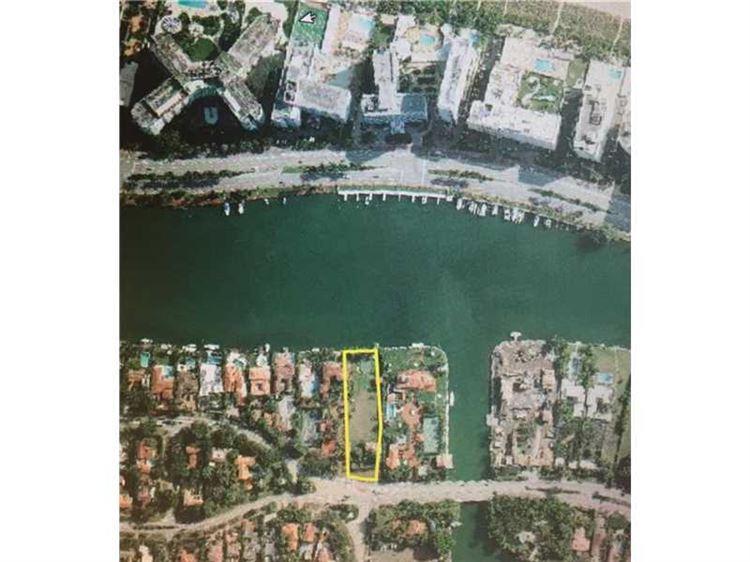 Photo for 5101 Pine Tree Dr, Miami Beach, FL 33140 (MLS # A10087708)