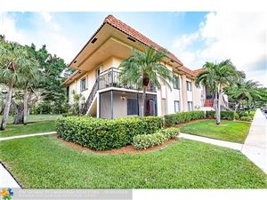 Photo of 341 LAKEVIEW DR, Weston, FL 33326 (MLS # F10095102)