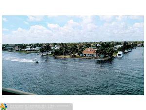 Photo of 985 SE 19th Avenue, Deerfield Beach, FL 33441 (MLS # F10088403)