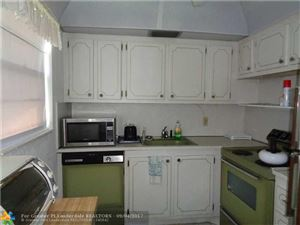 Photo of 336 Farnham P, Deerfield Beach, FL 33442 (MLS # F10084542)