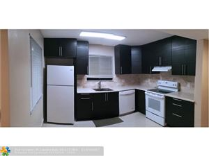 Photo of 213 Lakeview Dr, Weston, FL 33326 (MLS # F10094550)