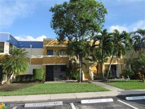 Photo of 163 Lakeview Dr, Weston, FL 33326 (MLS # F10094605)