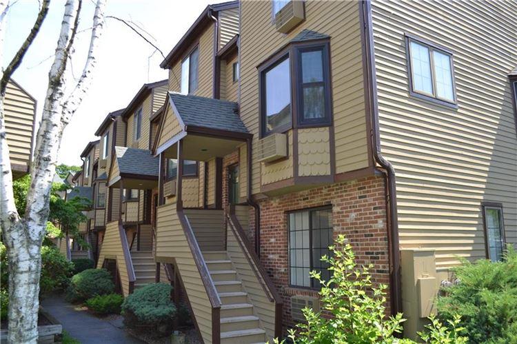 Photo for 8 Oakwood Avenue #B12, Norwalk, CT 06850 (MLS # 99189065)