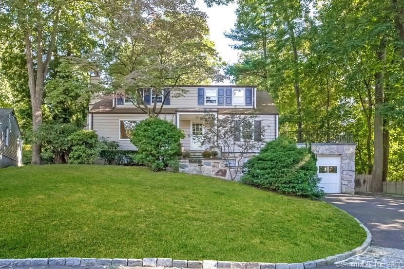 Photo for 15 Somerset Lane, Greenwich, CT 06878 (MLS # 170022166)