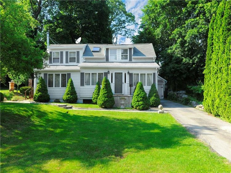 Photo for 24 Tremont Street, Greenwich, CT 06807 (MLS # 99190179)