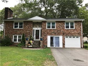 Photo of 16 White Birch Circle, East Lyme, CT 06357 (MLS # 170016314)