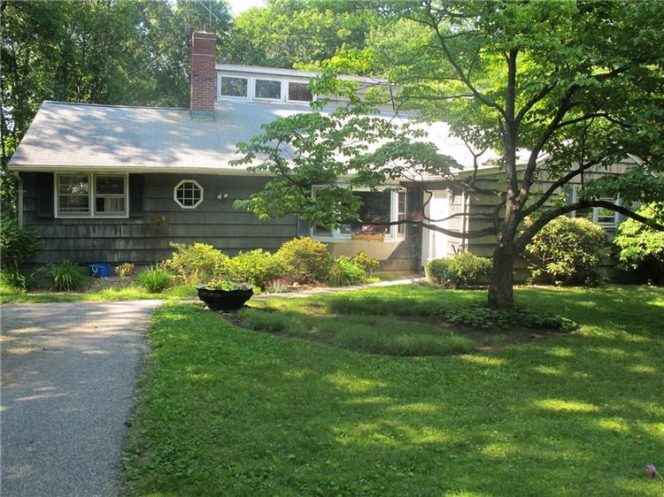 Photo for 539 Main Street, New Canaan, CT 06840 (MLS # 99190344)