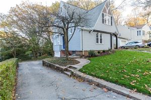 Photo of 240 Marvelwood Drive, New Haven, CT 06515 (MLS # 170033548)