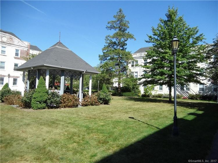 Photo for 128 Summer Street #3B, Stamford, CT 06901 (MLS # 170020975)